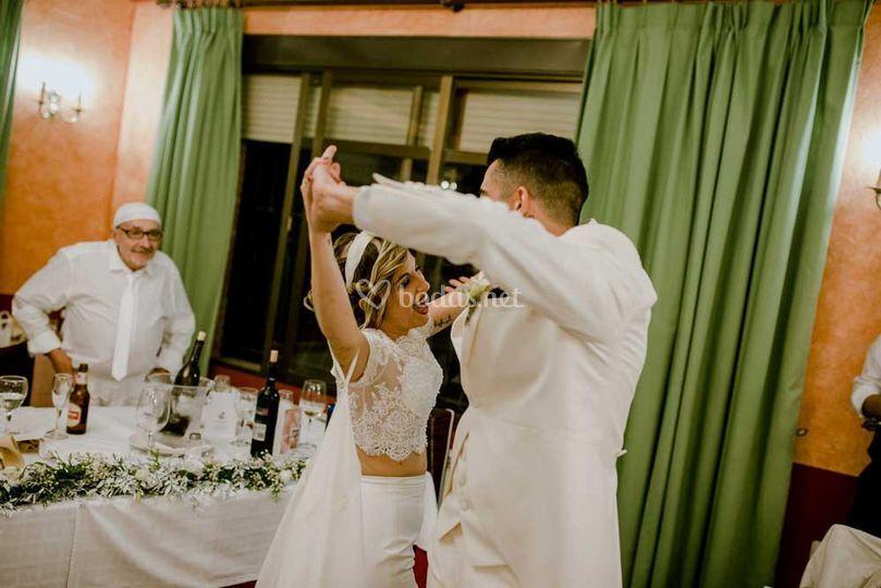 Baile en el salón.