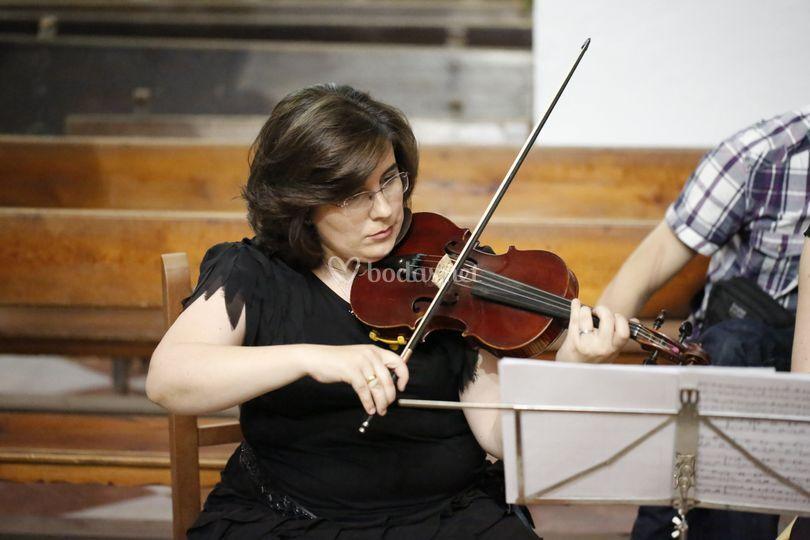 Ruth - Violinista Jaén