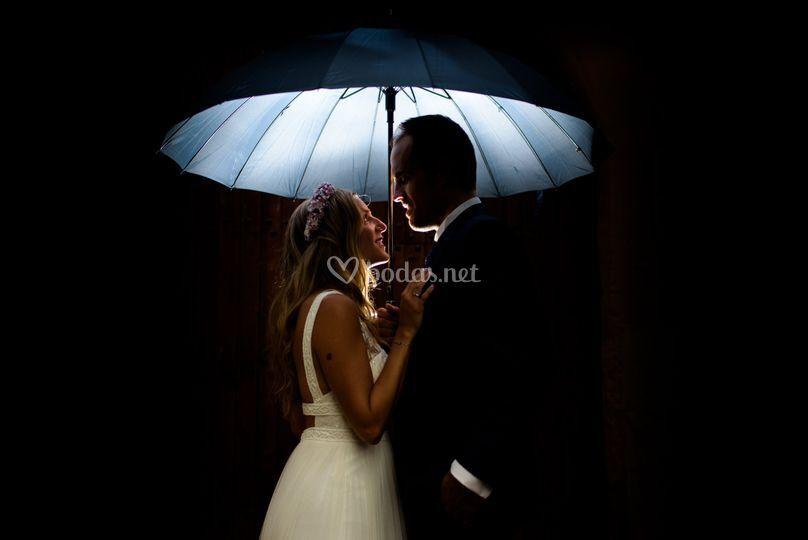 Ni la lluvia puede con el amor