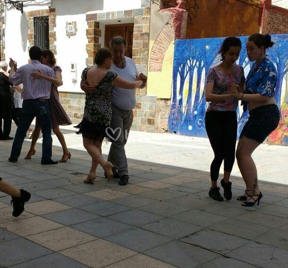 Sonorización de baile en la calle
