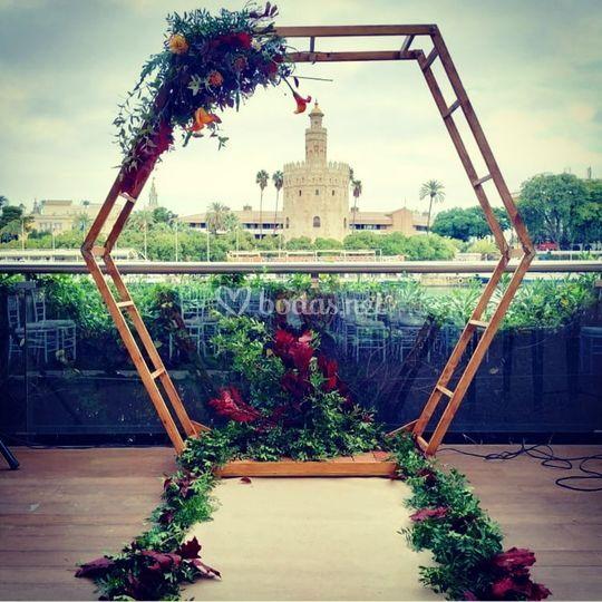 Arco para ceremonia hexagonal