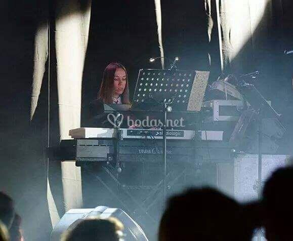 A los teclados, Yulia