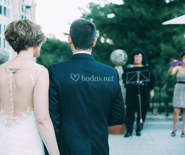Cantando en una boda