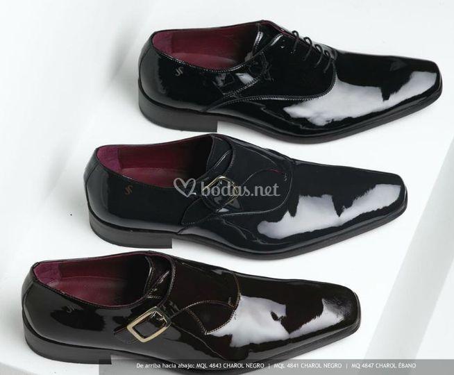 Zapatos de charol negro