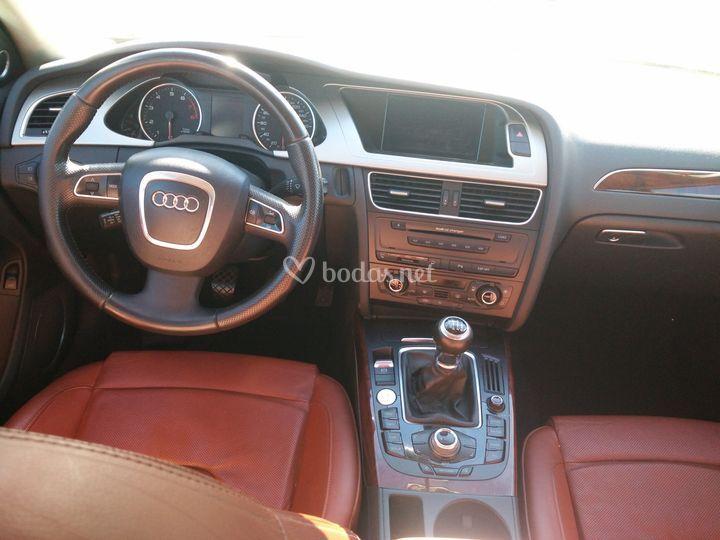 Audi A4 interior en piel