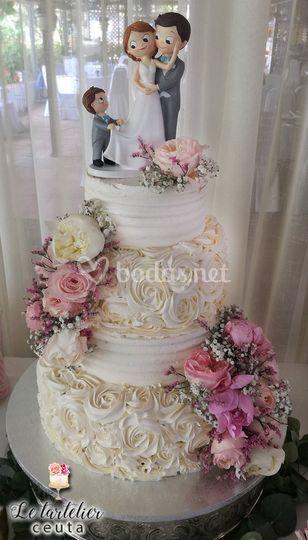 Tarta de boda peonías y rosas.