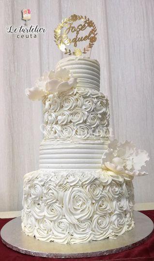 Tarta de boda en crema 4 pisos