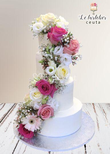 Tarta de boda flores 4 pisos