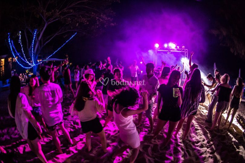 Party en la playa ibiza