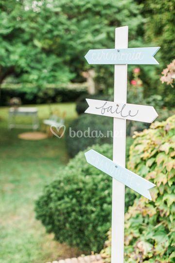 Indicador de madera para bodas