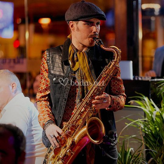 Tropical Salou Saxofonista