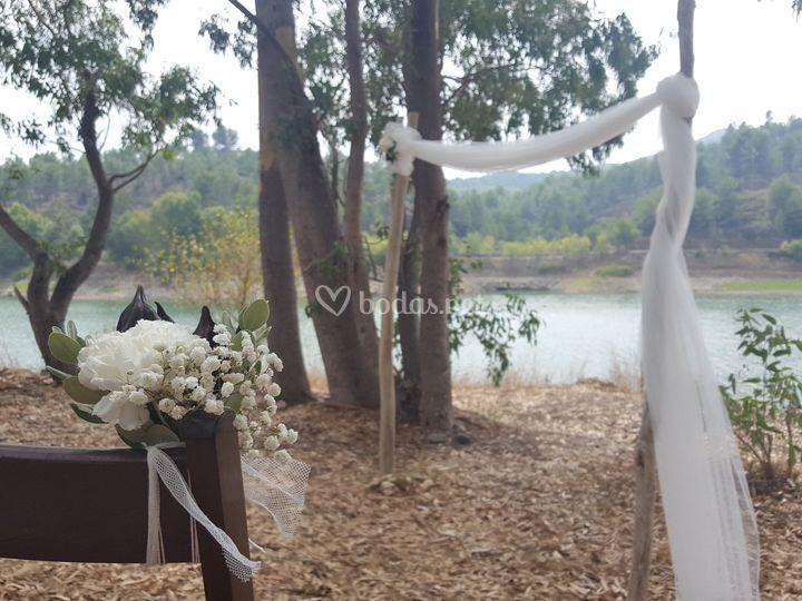 Ceremonia en el pantano