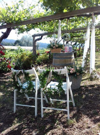 Altar bajo viñedos