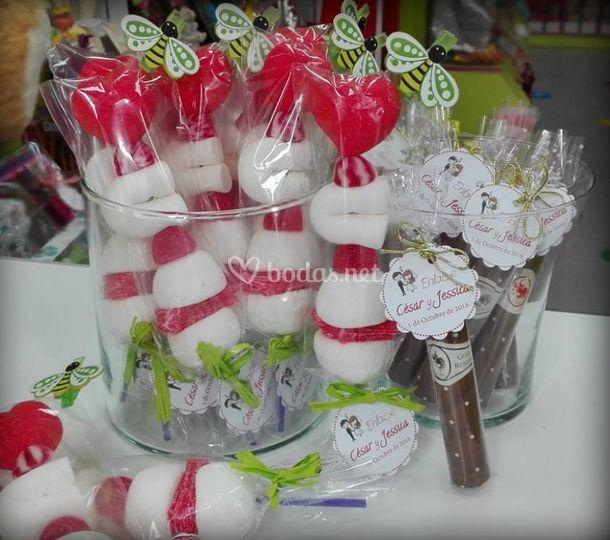 Broches y puros de chocolate para bodas