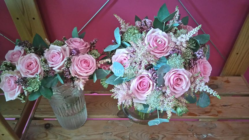 Bouquet rosas y astilbe