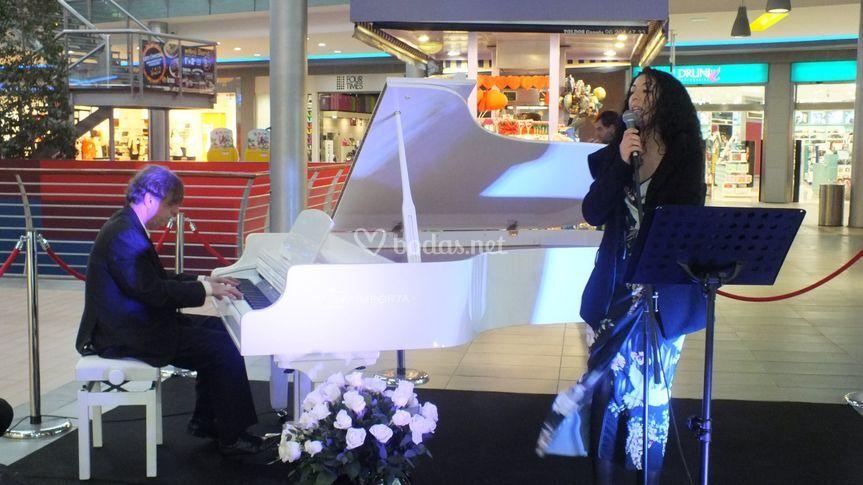 Piano único