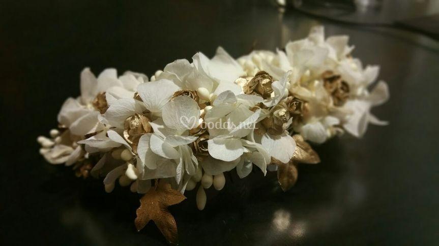 Tocado Hortensia blanca