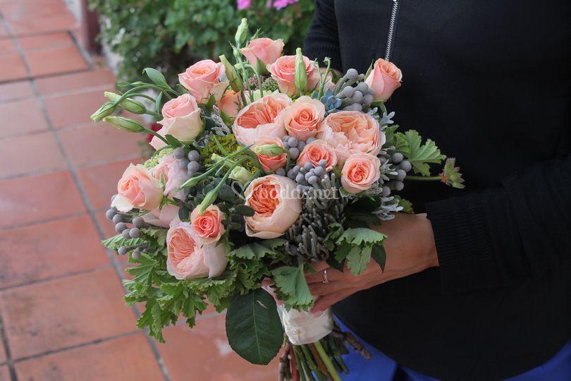 Ramo con rosas inglesas
