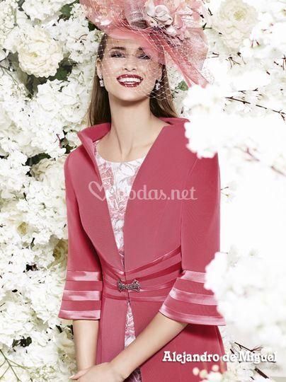 Vestido madrina perfecta con abrigo