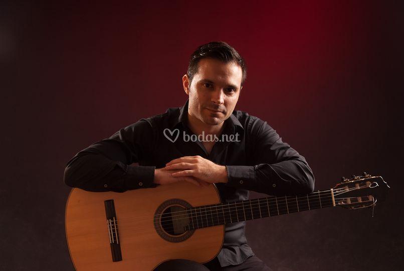 Roberto Curiel - Guitarra