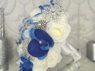 Ramo de broches blanco y azul