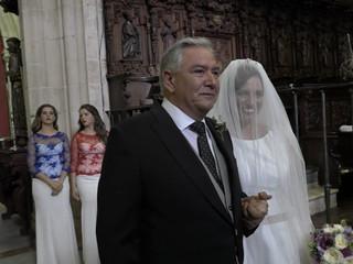 Ronda entrada de Mª Jesús a la ceremonia