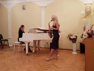 Saxofon y piano