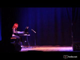 Esther Peñas como pianista solista