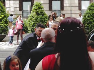 Entrada a la iglesia, Dori y Sandro