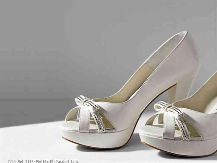 ropa deportiva de alto rendimiento mas bajo precio variedad de diseños y colores Zapatos de novia Doriani 2012