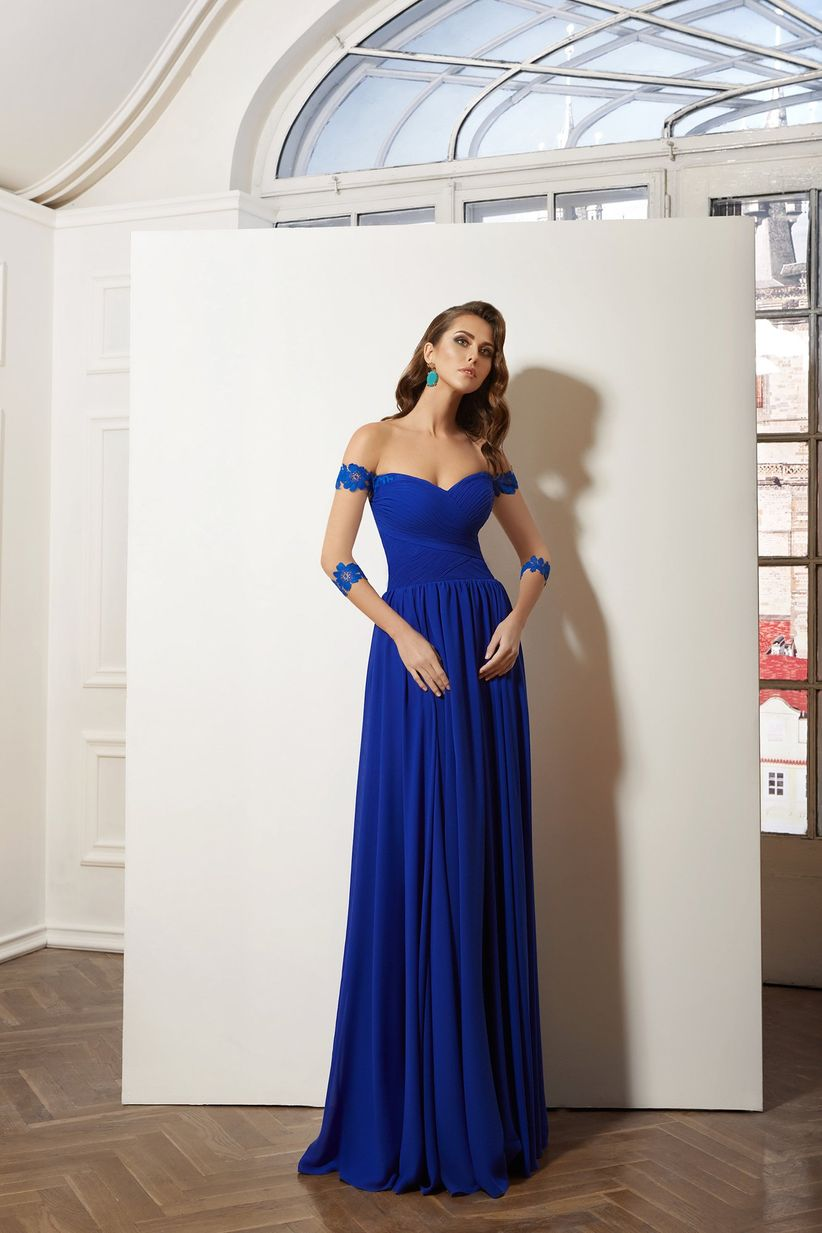 Vestido azul noche con que zapatos queda