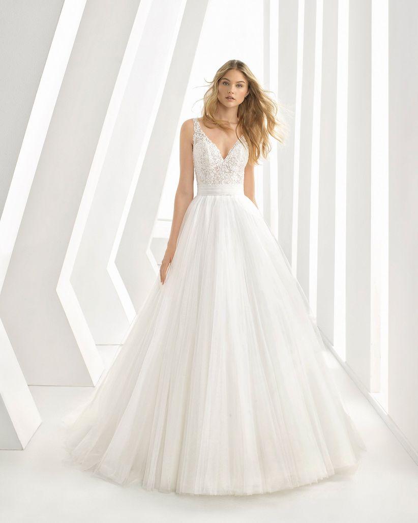 77eedaa72 Guía para novias  18 escotes habituales en moda nupcial
