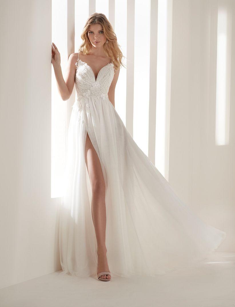 1b426d31d3 Un modelo para cada novia. Hannibal Laguna Atelier