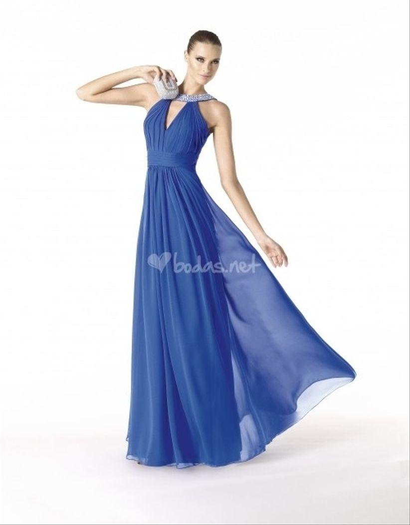 Vestido azul en una boda