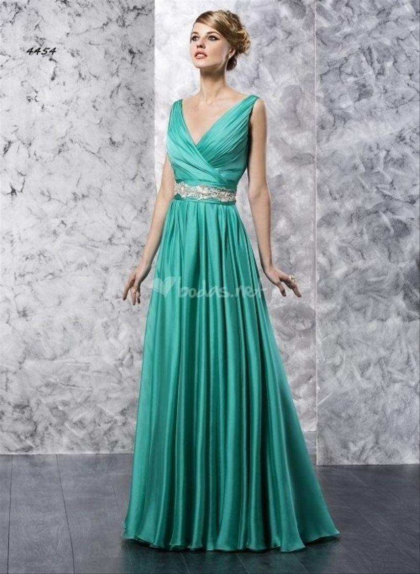 15 vestidos verdes para un look de invitada