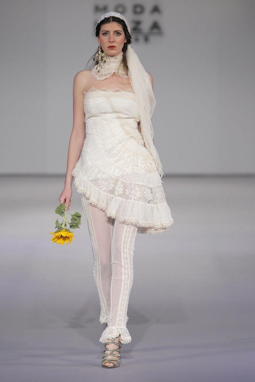 7284e76562 Todos los trajes de pantalón para novia de la temporada