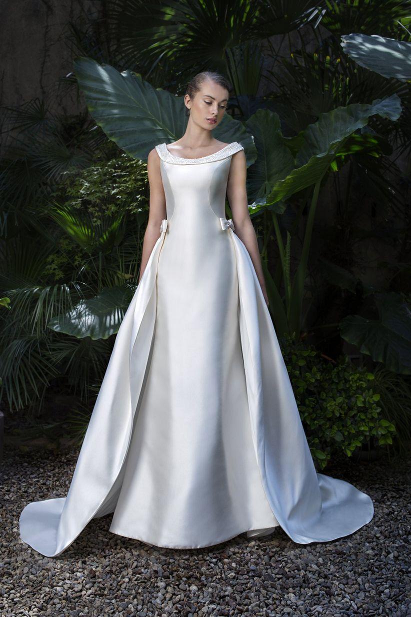 fba7fc8cd 61 vestidos de novia con falda superpuesta para sorprender