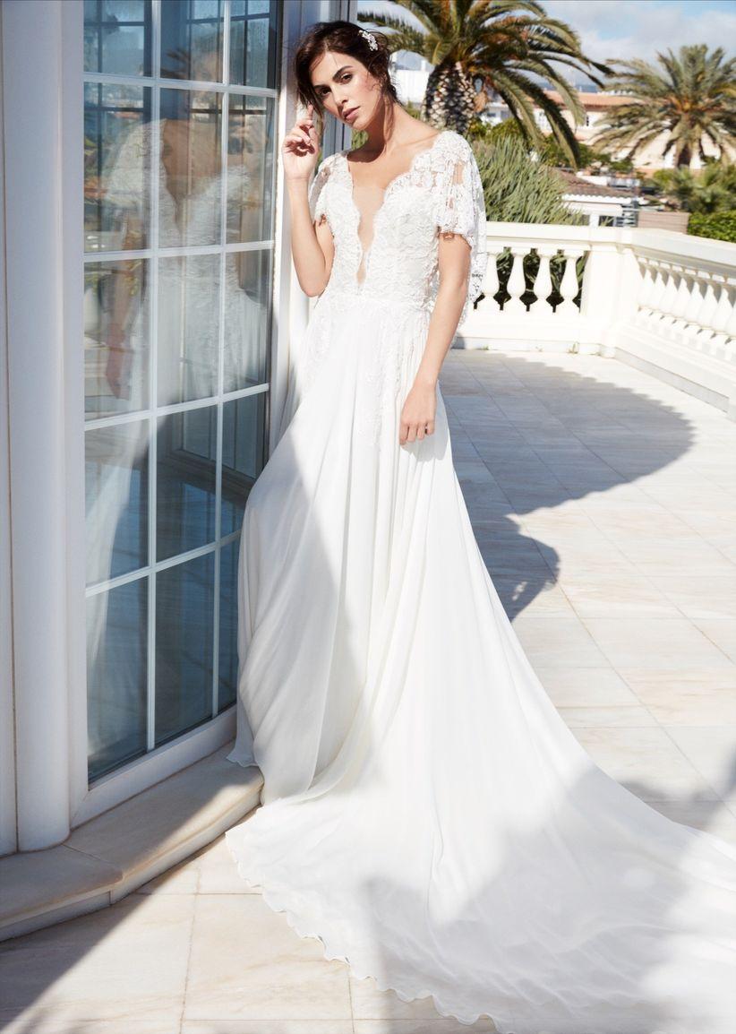 3bc4335564 35 vestidos de novia románticos que te harán suspirar