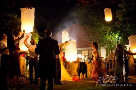 5 razones para hacer una suelta de globos luminosos en vuestra boda