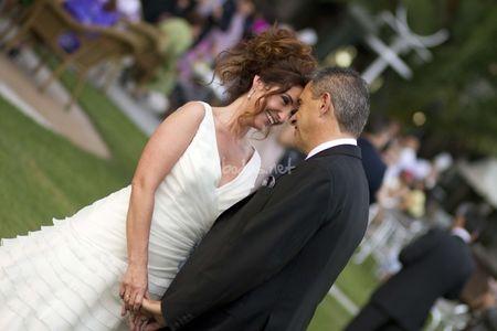 Vestidos de novia con escote pico