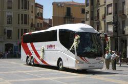 Ventajas y desventajas de alquilar un autocar para la boda