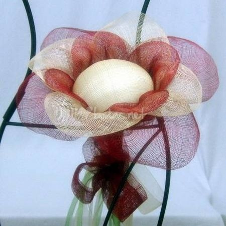 C�mo hacer una flor porta alianzas de sinamay
