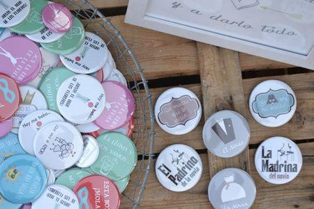 Detalles de boda originales: ¡6 tipos de chapas para regalar a los invitados!
