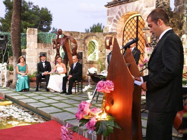 ¿Oficiante o familiar para la boda civil?