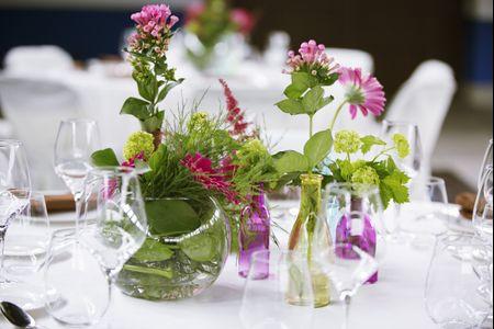 20 fantásticos centros de mesa para bodas en verano