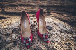 30 espectaculares zapatos de invitada con pedrería
