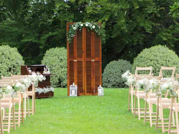 El pasillo hasta el altar: 5 básicos para una decoración única