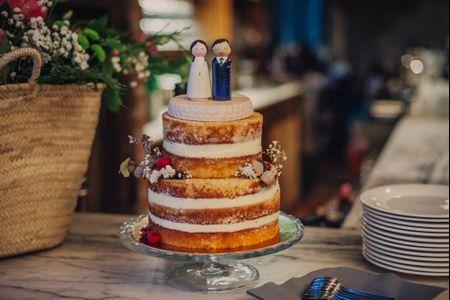 8 materiales para los cake toppers de vuestra tarta nupcial