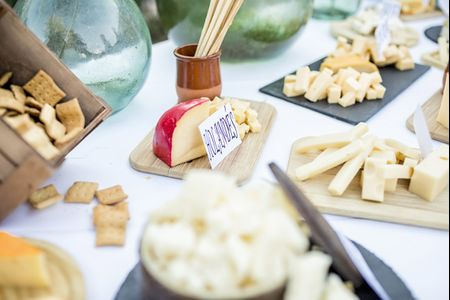 Poned un bufet de quesos en vuestra boda