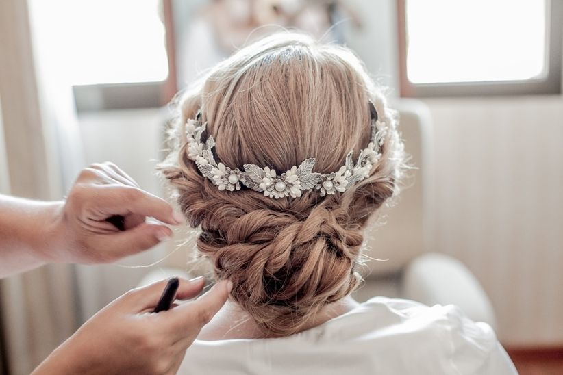 Peinados de novia 20 recogidos que no pasan de moda - Monos bajos novia ...